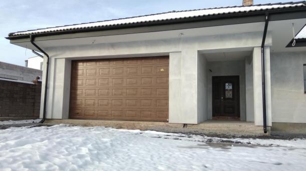 Продам будинок в районі Макарова!