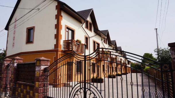 Таунхауси в приватному секторі міста.