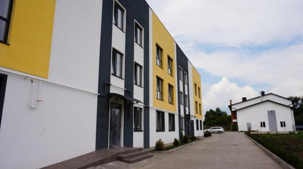 Сучасний квартирний комплекс в европейскому стилі.