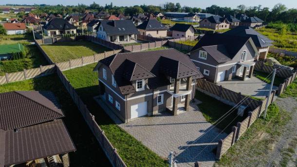 Продам будинок з гаражем новобудова (10 соток) Обарів